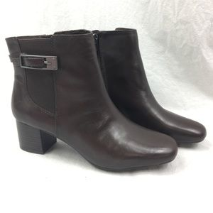 NWT Bandolino Ankle Boots New Brown Heels